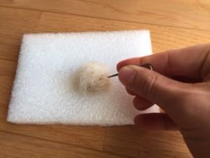 羊毛フェルト ボール 作り方